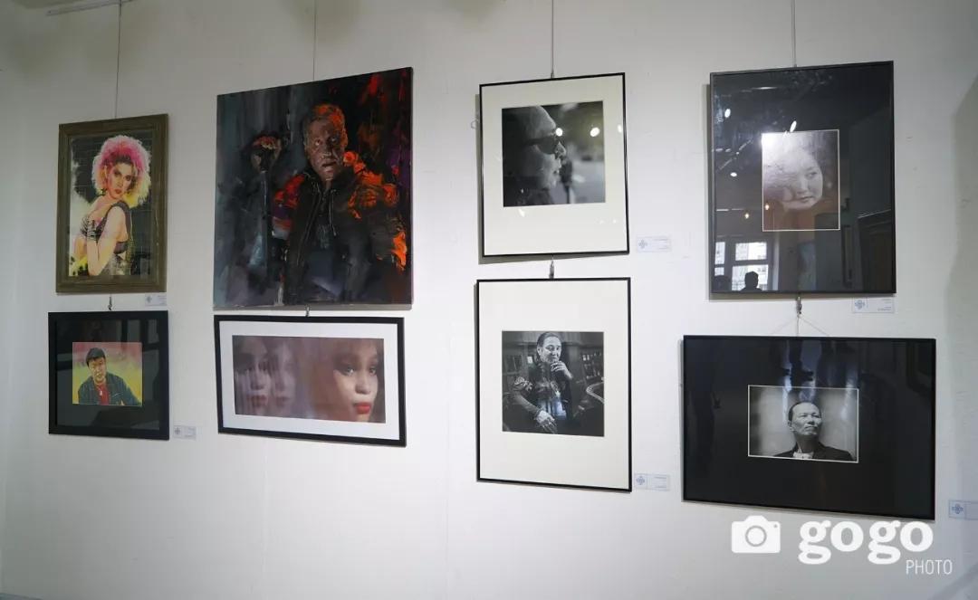 传奇摇滚乐队、流行歌手、艺术家肖像画展在蒙古国开幕 第21张
