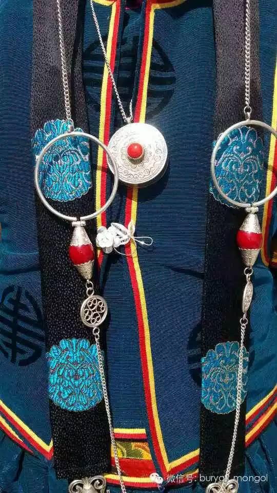 布里亚特蒙古族服装中的线形艺术设计探微 第3张