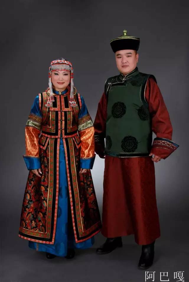 内蒙古蒙古族28部落的108套标准服饰和34组头饰 第7张