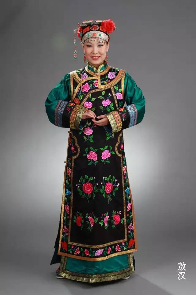 内蒙古蒙古族28部落的108套标准服饰和34组头饰 第12张