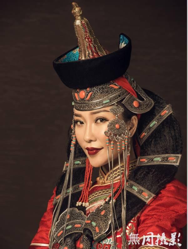 穿蒙古服饰的姑娘,太美了.... 第6张