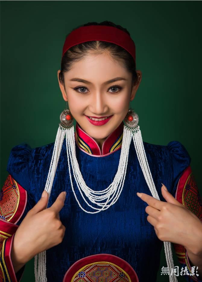 穿蒙古服饰的姑娘,太美了.... 第8张