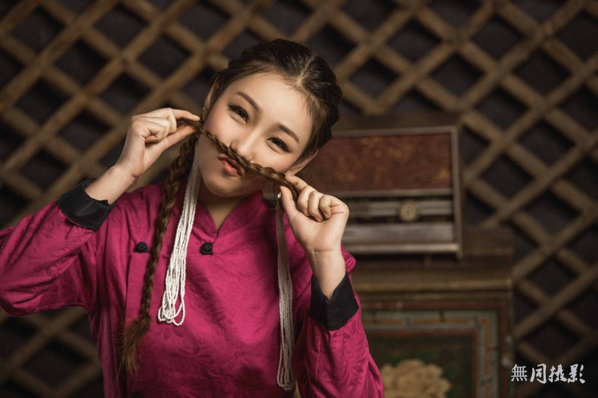 穿蒙古服饰的姑娘,太美了.... 第10张