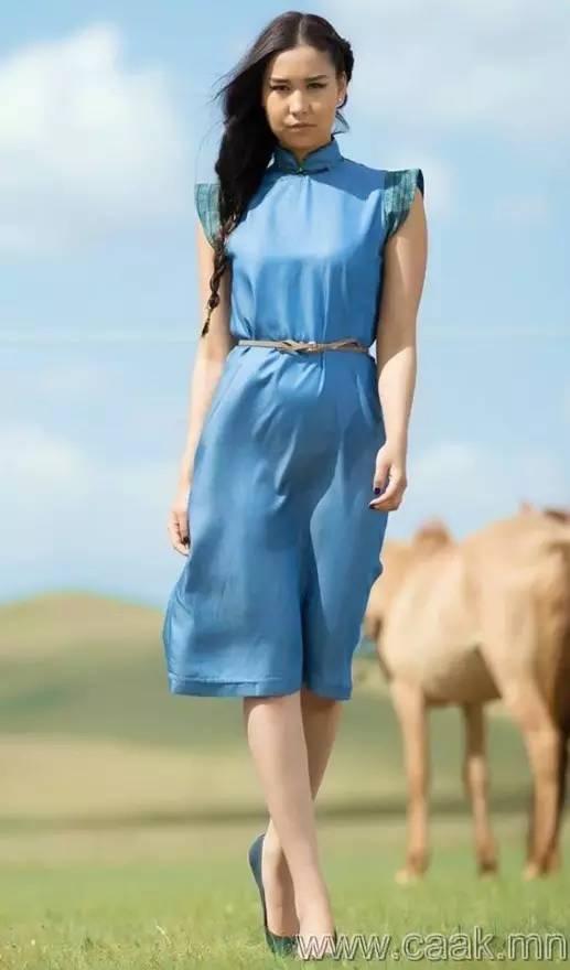 美丽的蒙古女孩 漂亮的蒙古服饰 第5张