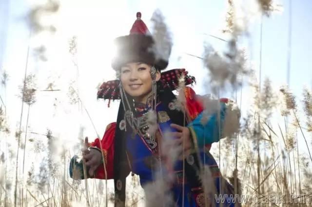 美丽的蒙古女孩 漂亮的蒙古服饰 第13张