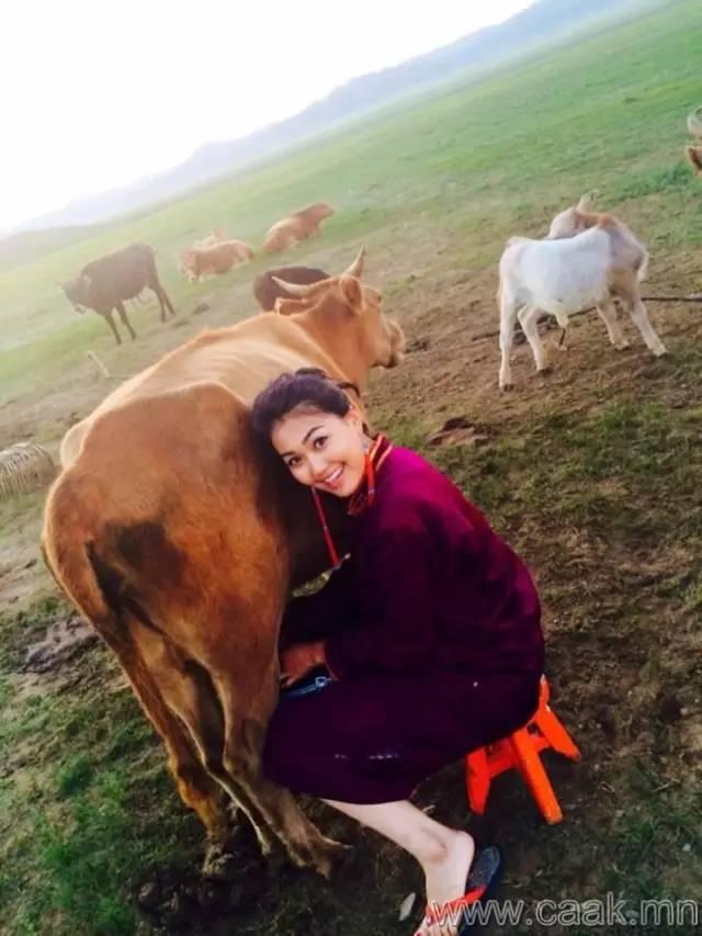 美丽的蒙古女孩 漂亮的蒙古服饰 第10张