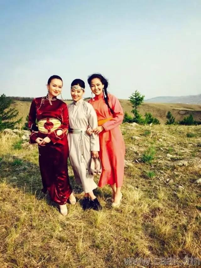 美丽的蒙古女孩 漂亮的蒙古服饰 第12张
