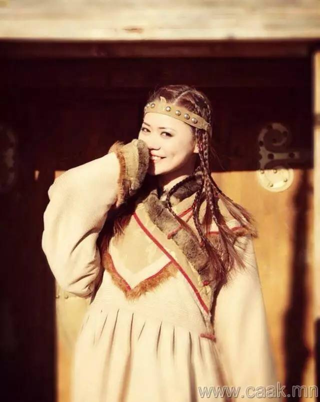 美丽的蒙古女孩 漂亮的蒙古服饰 第9张