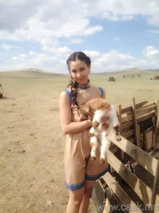 美丽的蒙古女孩 漂亮的蒙古服饰 第24张