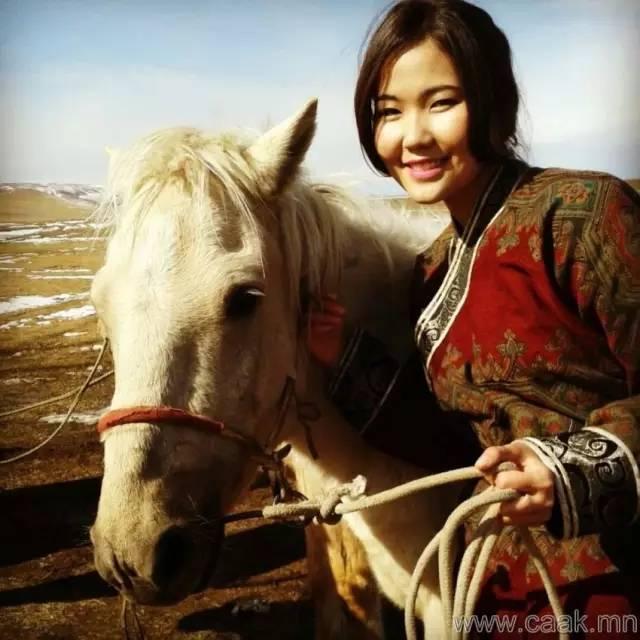美丽的蒙古女孩 漂亮的蒙古服饰 第27张