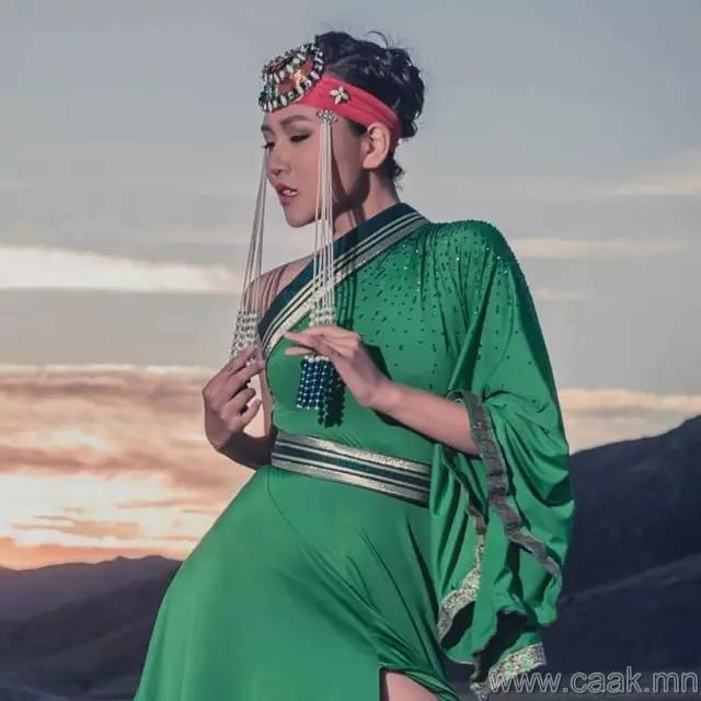 美丽的蒙古女孩 漂亮的蒙古服饰 第32张