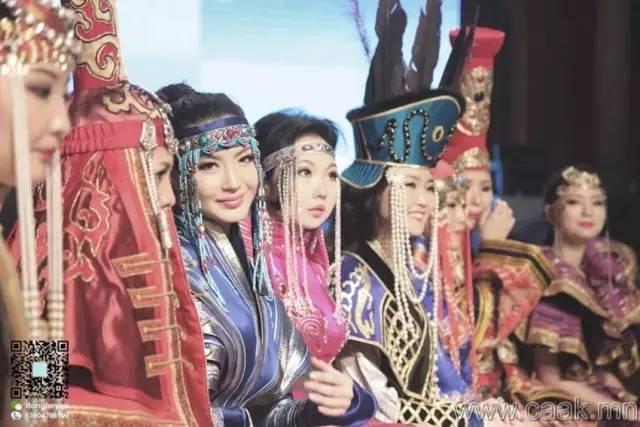 美丽的蒙古女孩 漂亮的蒙古服饰 第39张