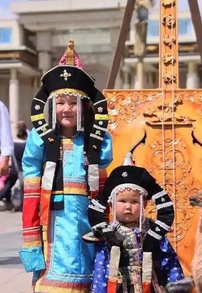 【蒙古服装】儿童蒙古服装展示,非常漂亮! 第3张