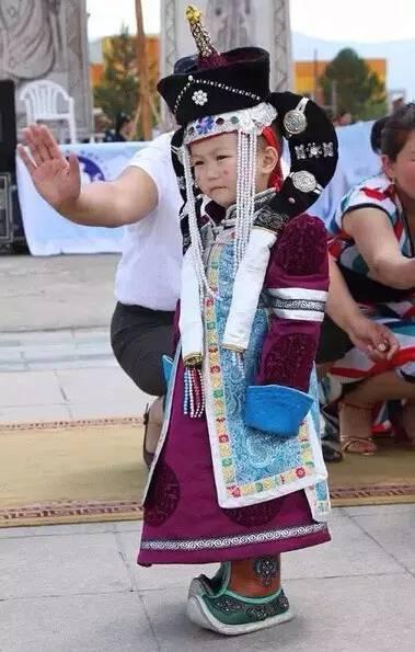 【蒙古服装】儿童蒙古服装展示,非常漂亮! 第8张