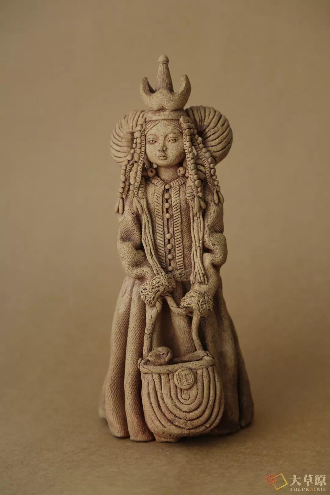 没有草稿一次成型,追求工匠精神的她将生命的活力注入蒙古特色陶艺作品中 第6张