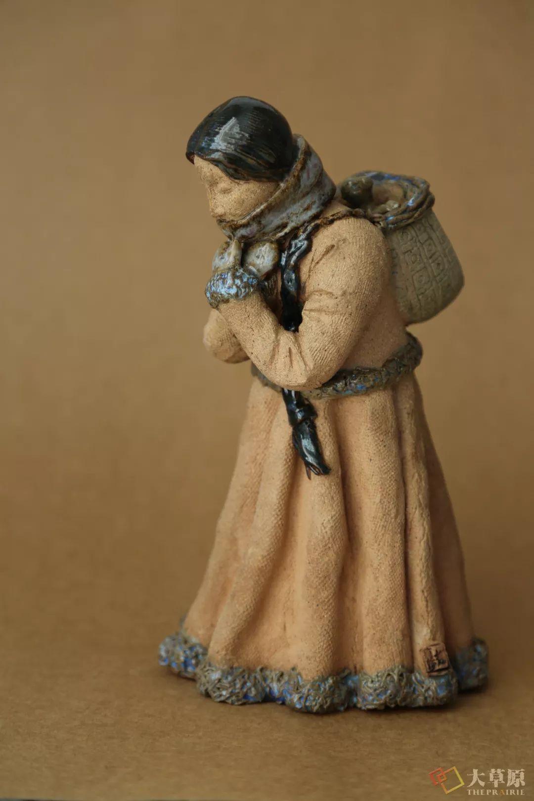 没有草稿一次成型,追求工匠精神的她将生命的活力注入蒙古特色陶艺作品中 第9张