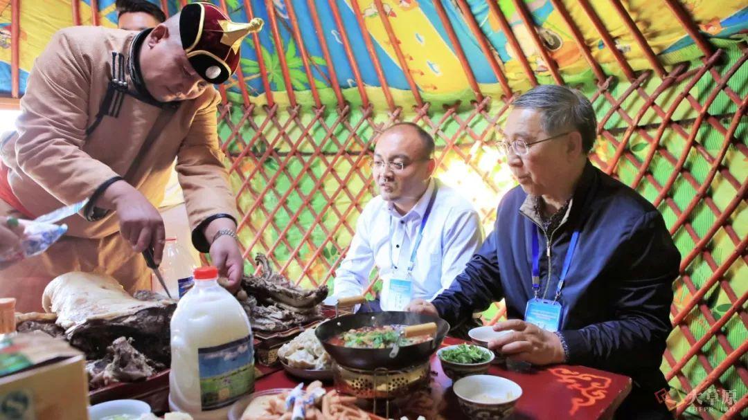 内蒙古味道 | 他用16年时间,致力于把蒙餐打造成中国第九大菜系 第6张