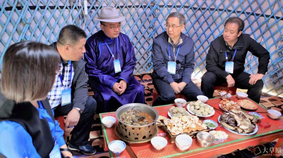 内蒙古味道 | 他用16年时间,致力于把蒙餐打造成中国第九大菜系 第10张