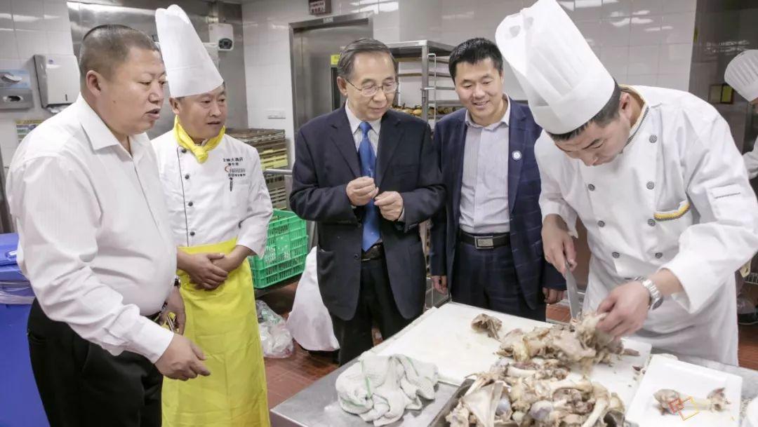 内蒙古味道 | 他用16年时间,致力于把蒙餐打造成中国第九大菜系 第20张