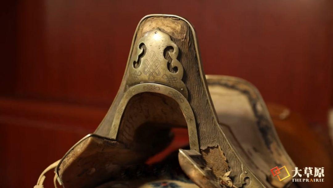 马鞍子对于蒙古男人来说,就像头饰对于蒙古女人一样重要 第5张