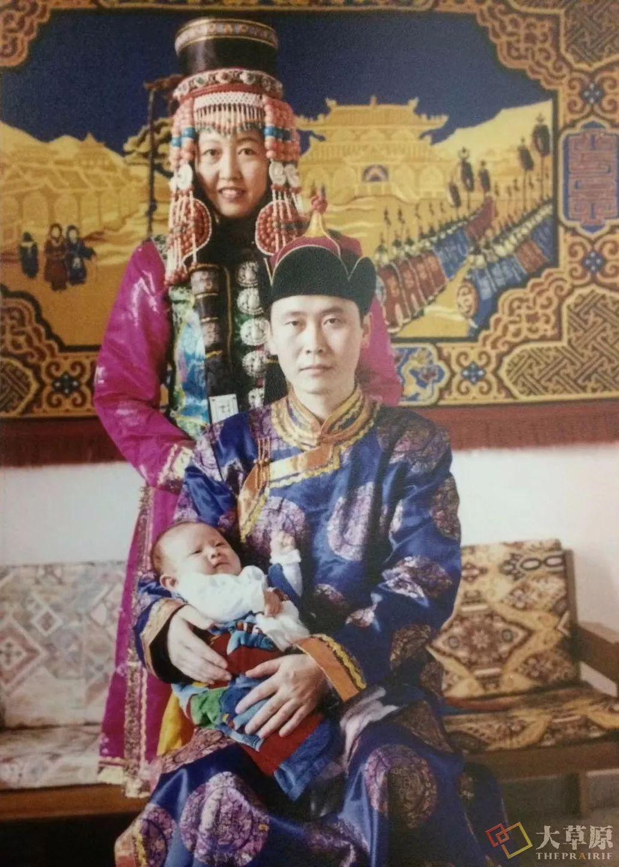 原来蒙古族妇女的头饰,就是蒙古族女人的一生 第9张