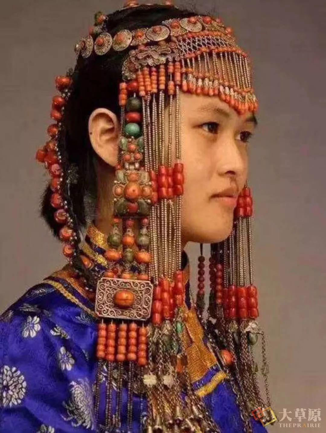 原来蒙古族妇女的头饰,就是蒙古族女人的一生 第12张
