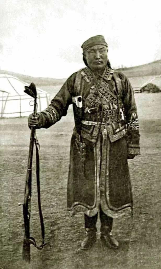 蒙古黑喇嘛:古丝绸之路上最暴虐的传奇人物 第1张