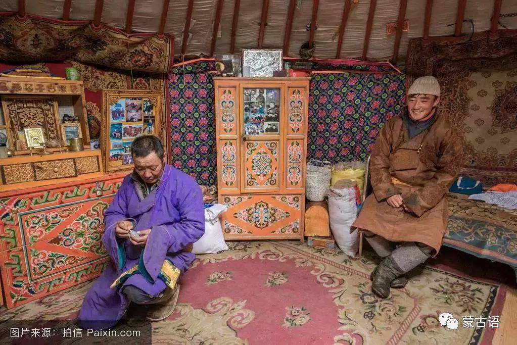 【习俗】蒙古族传统家具的装饰工艺 第4张