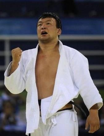 蒙古摔跤的彪悍历史 第13张