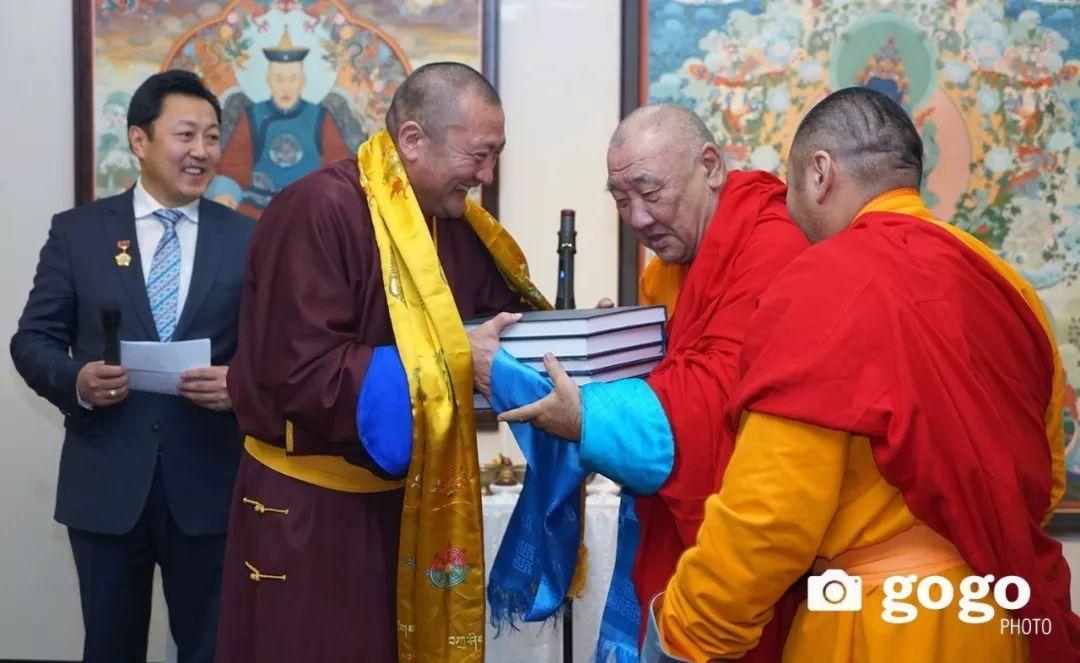 蒙古举办了唐卡文化展览会 第13张