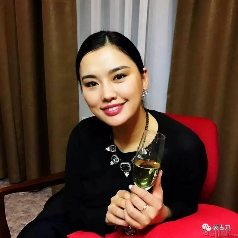 蒙古国美女5 第5张