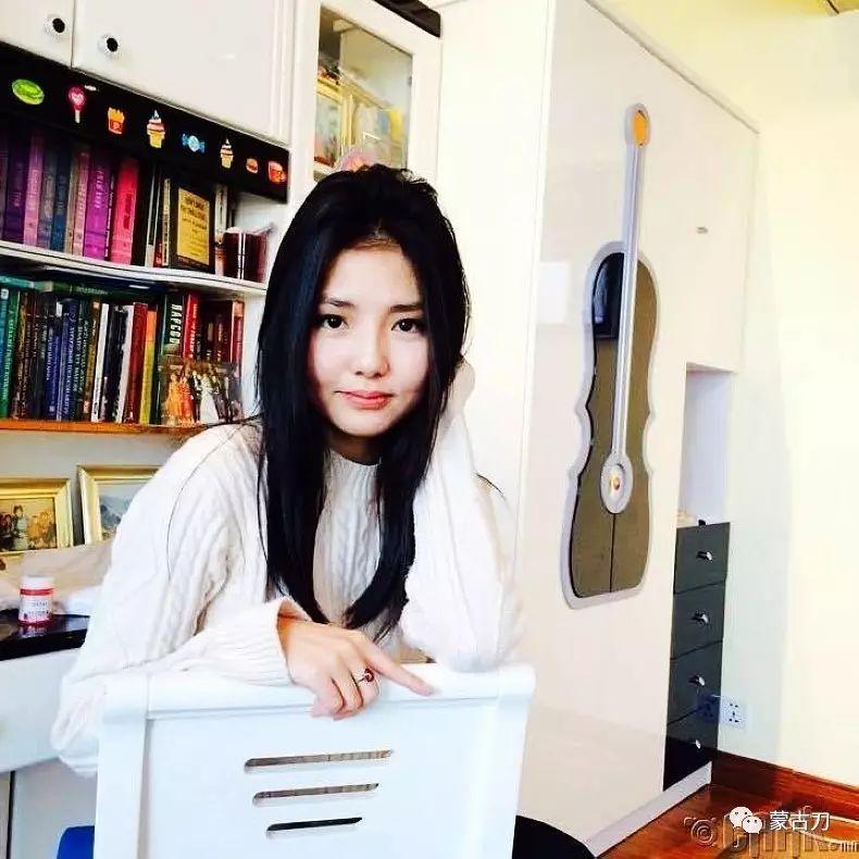 蒙古国美女5 第17张