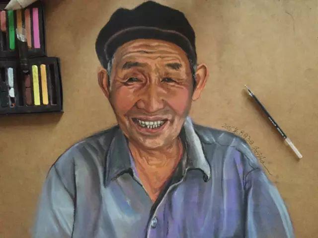 蒙古族美女阿紫亚为额吉绘画的过程,真心了不起 第5张