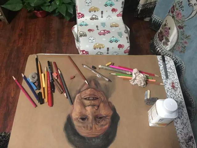 蒙古族美女阿紫亚为额吉绘画的过程,真心了不起 第11张