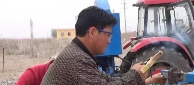 【蒙古达人】蒙古族同胞发明了田间塑料残膜回收机 第5张