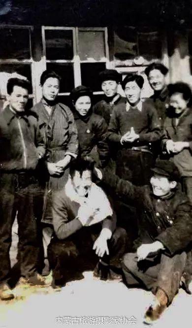 额博丨忆《内蒙古画报》及内蒙古美术摄影创始人尹瘦石先生 第9张