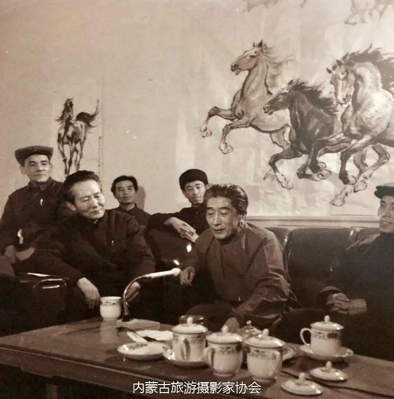 额博丨忆《内蒙古画报》及内蒙古美术摄影创始人尹瘦石先生 第10张