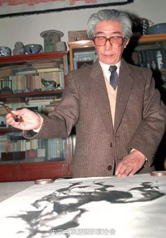 额博丨忆《内蒙古画报》及内蒙古美术摄影创始人尹瘦石先生 第18张