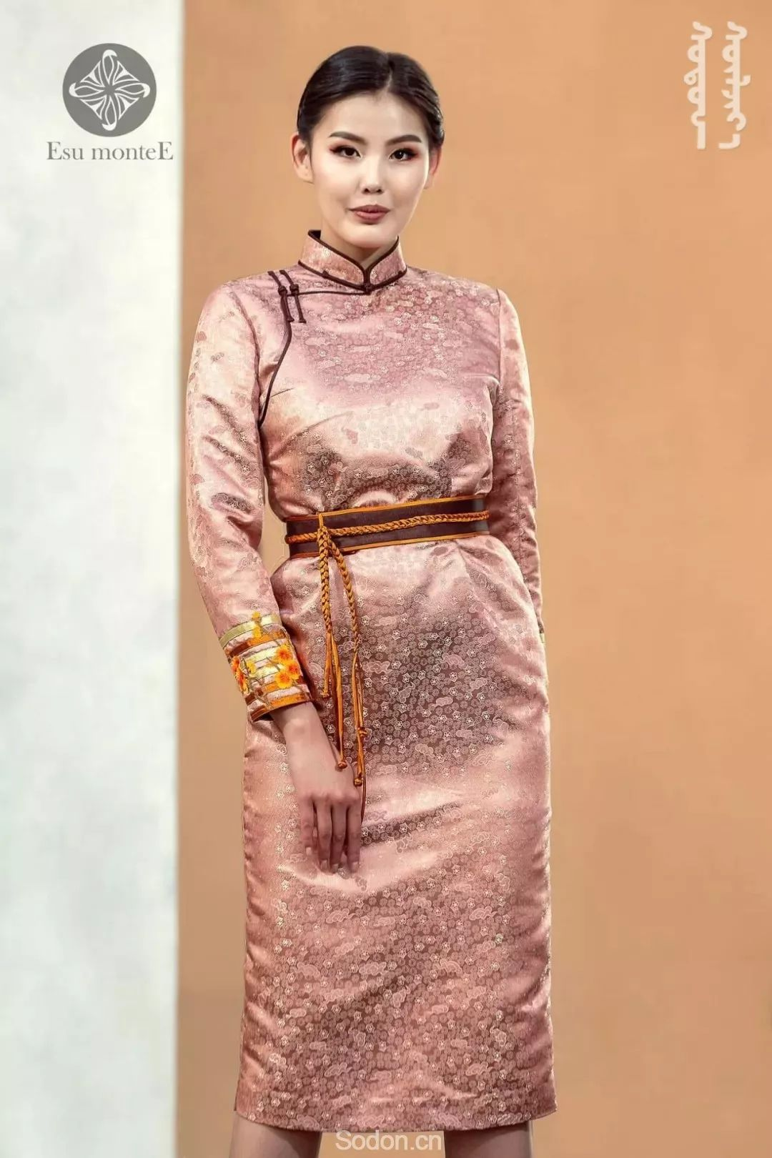 蒙古国Esu蒙古时装2019夏季新款首发! 第26张