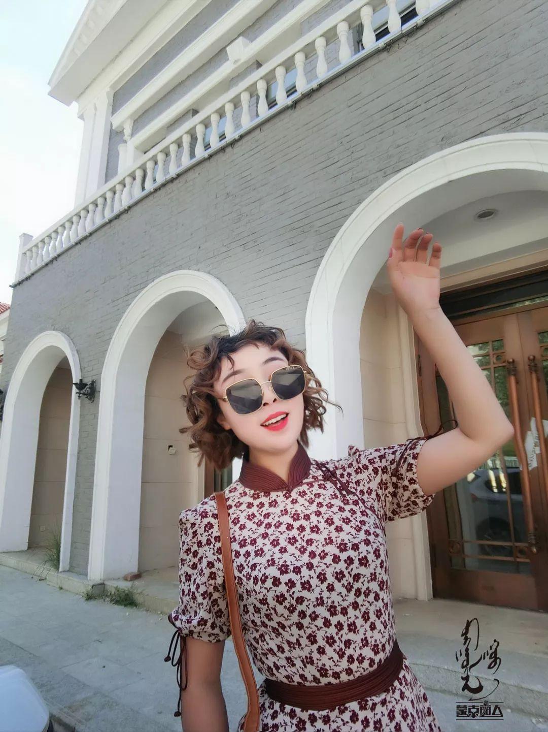 今年流行的蒙古风碎花裙 撩爆你的夏天! 第1张