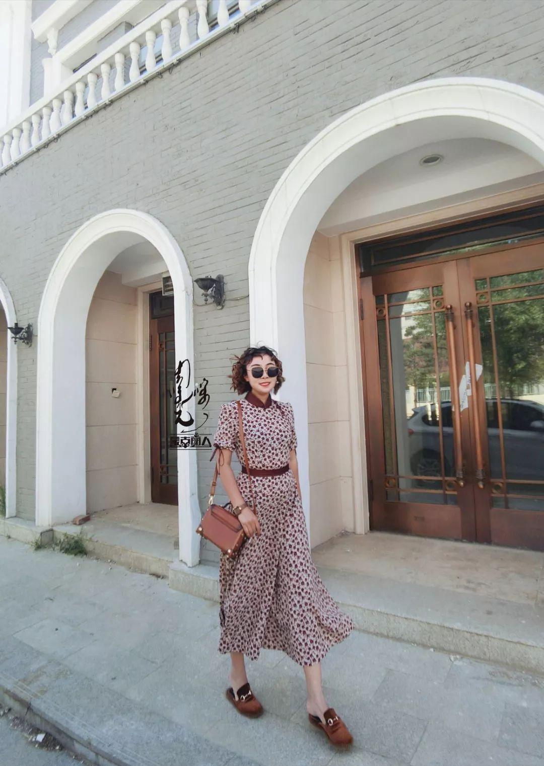 今年流行的蒙古风碎花裙 撩爆你的夏天! 第3张
