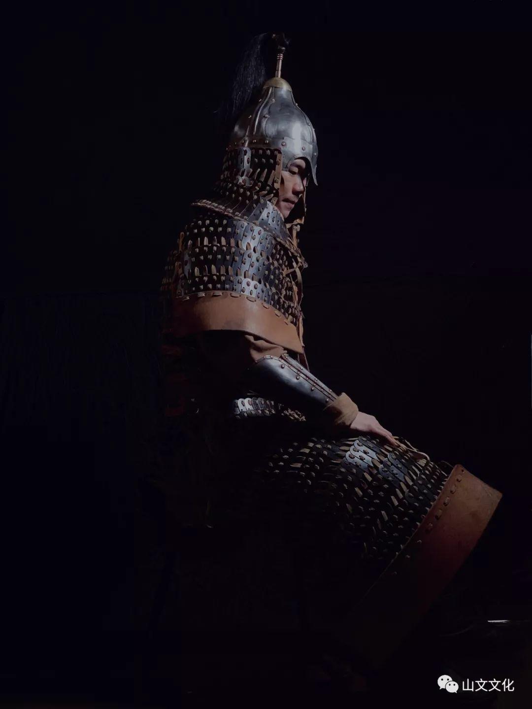 噔,盔甲出炉了   蒙古帝国胸背阔板铁札甲 第9张