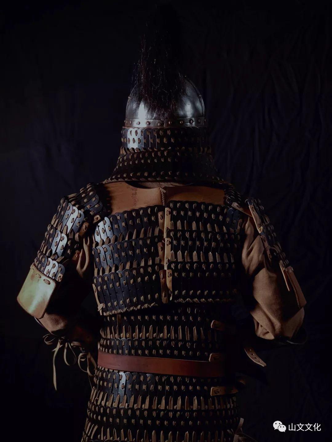 噔,盔甲出炉了   蒙古帝国胸背阔板铁札甲 第7张
