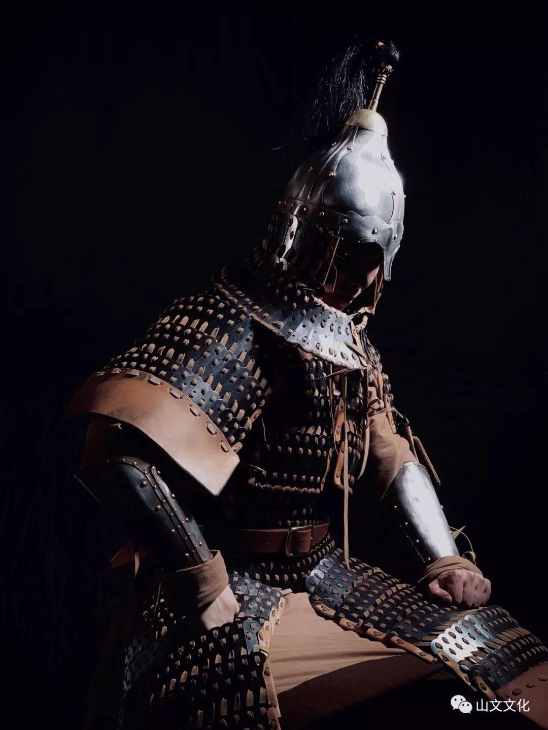 噔,盔甲出炉了   蒙古帝国胸背阔板铁札甲 第8张