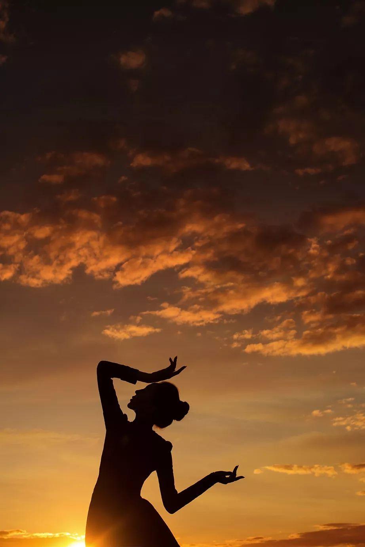 【蒙古舞蹈】一个优秀的民族舞者是怎么样炼成的 第1张