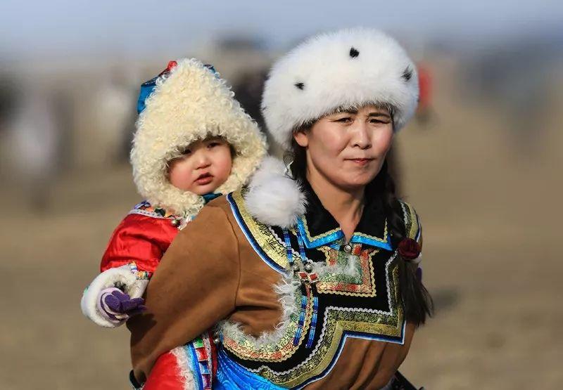 蒙古族传统服饰襟边缘饰 第5张