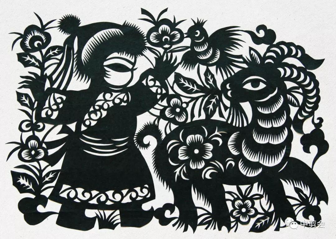 游唱游剪——记荣凤敏与她剪纸艺术中的草原风韵 第6张