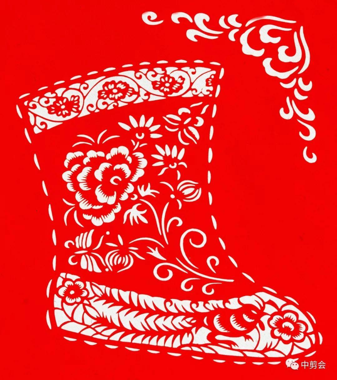 游唱游剪——记荣凤敏与她剪纸艺术中的草原风韵 第32张