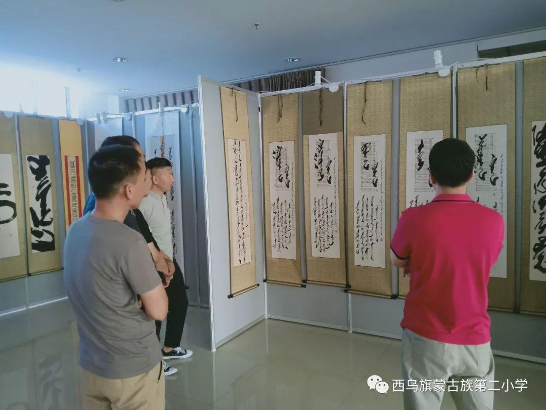 【乌珠穆沁】— 宝音陶格陶个人蒙古文书法展圆满结束 第28张