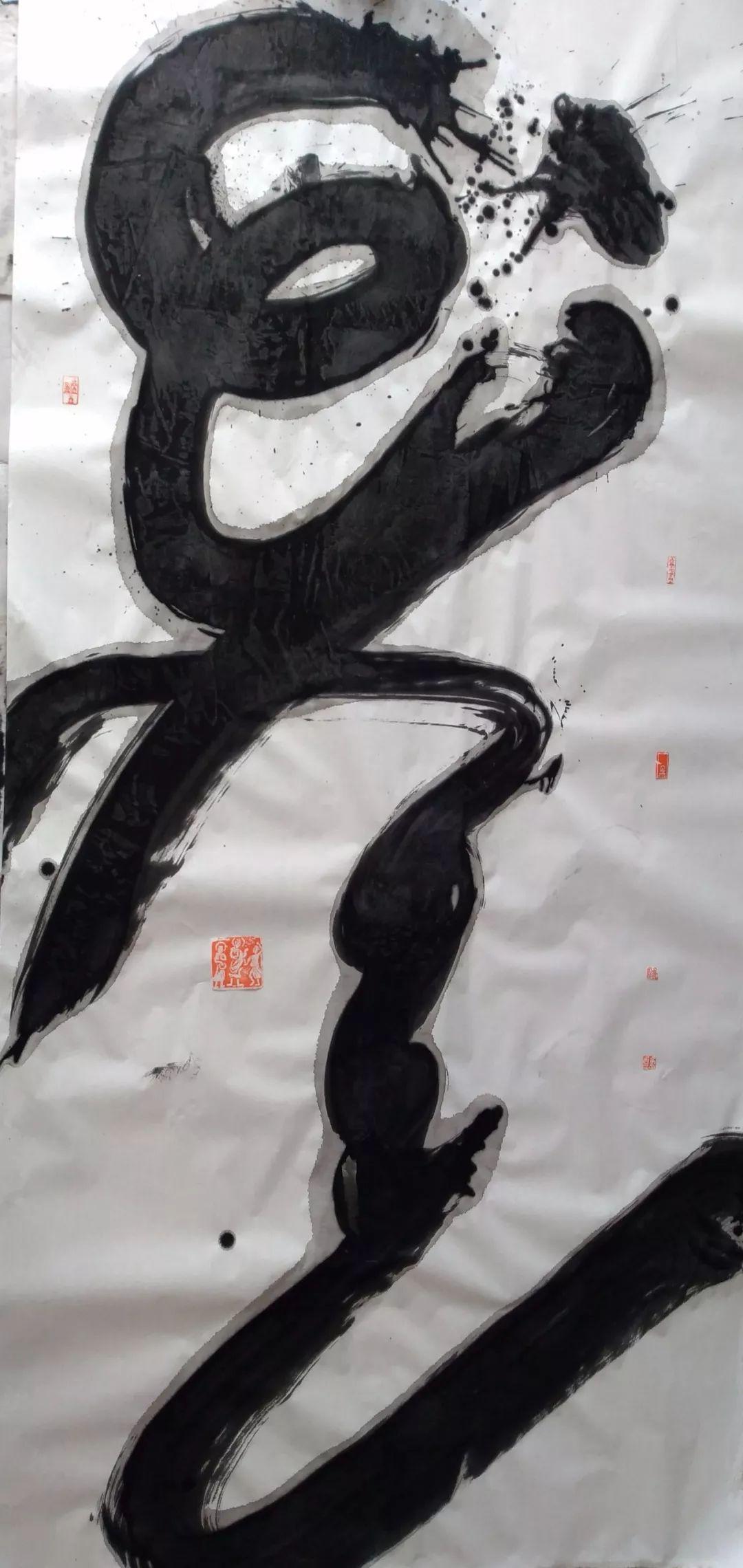 【人物】90后青年才俊乌塔拉:励志为蒙文书法篆刻艺术做贡献 第26张